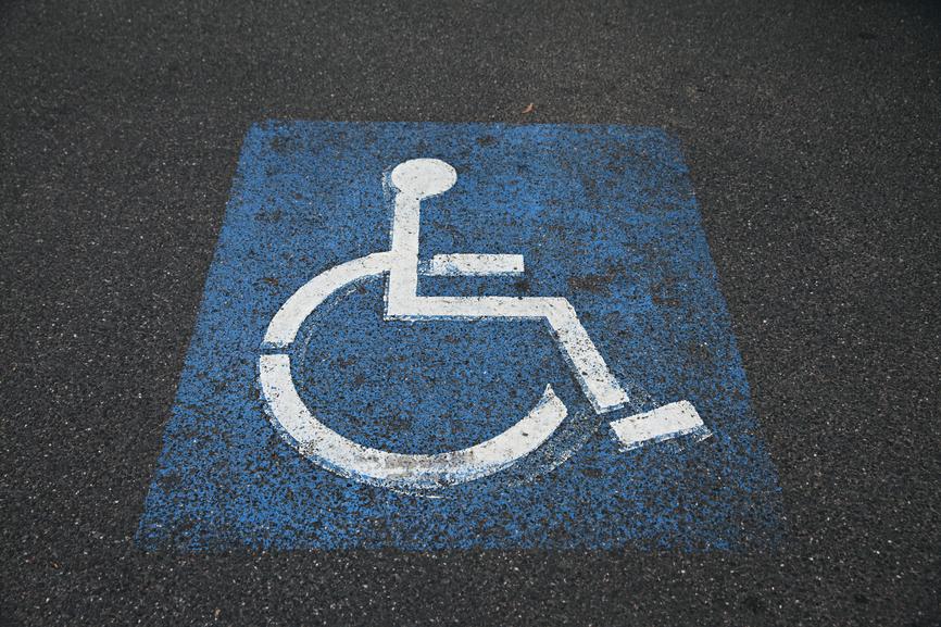 La moitié des Français travaillent dans un lieu sans accès handicapé