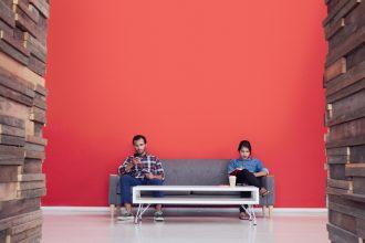 Les hommes et les femmes sont-ils égaux au travail?