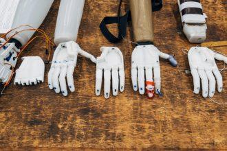 Le travail va-t-il disparaître avec l'arrivée des robots ? - MIEUX