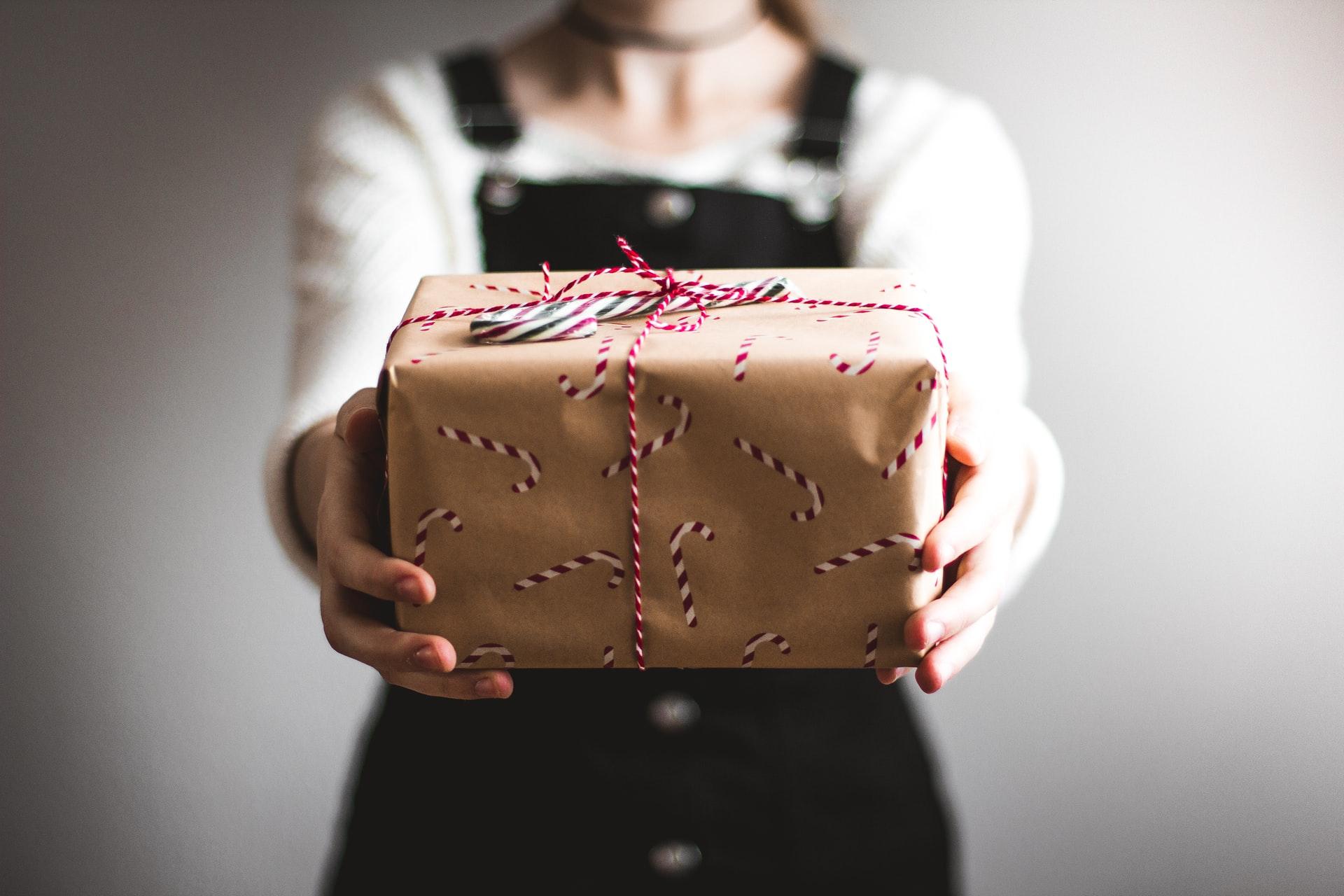Montant des titres cadeaux et éligibilité : quelle liberté pour les CSE ?