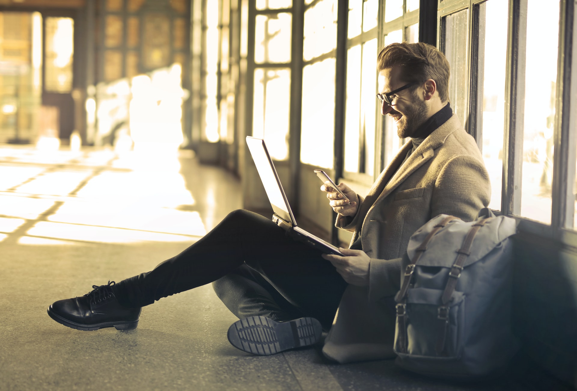 Nouveaux usages au travail : forces et faiblesses du télétravail