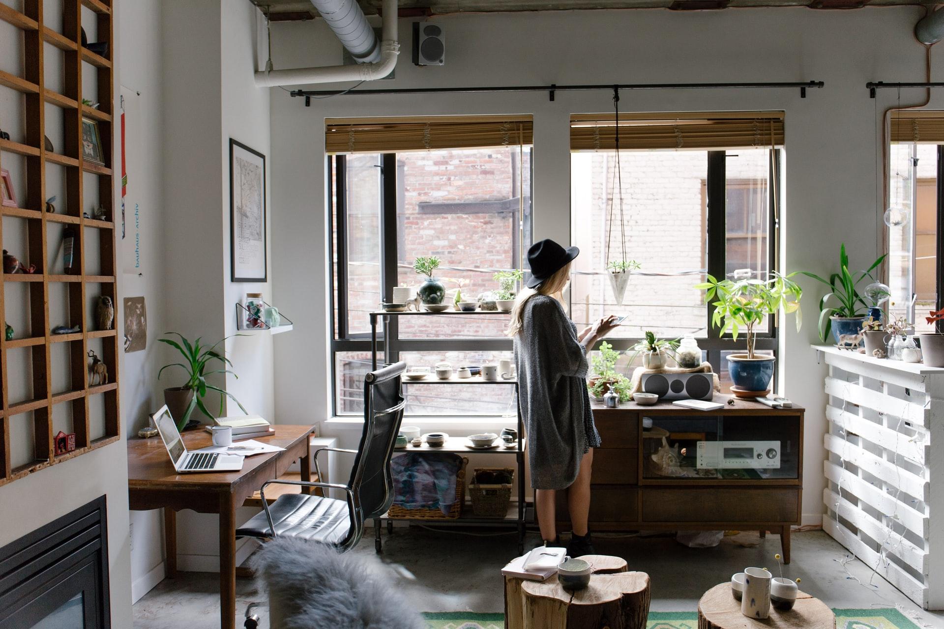 [Livre blanc] Télétravail, flex office : la nécessaire transformation des espaces de travail
