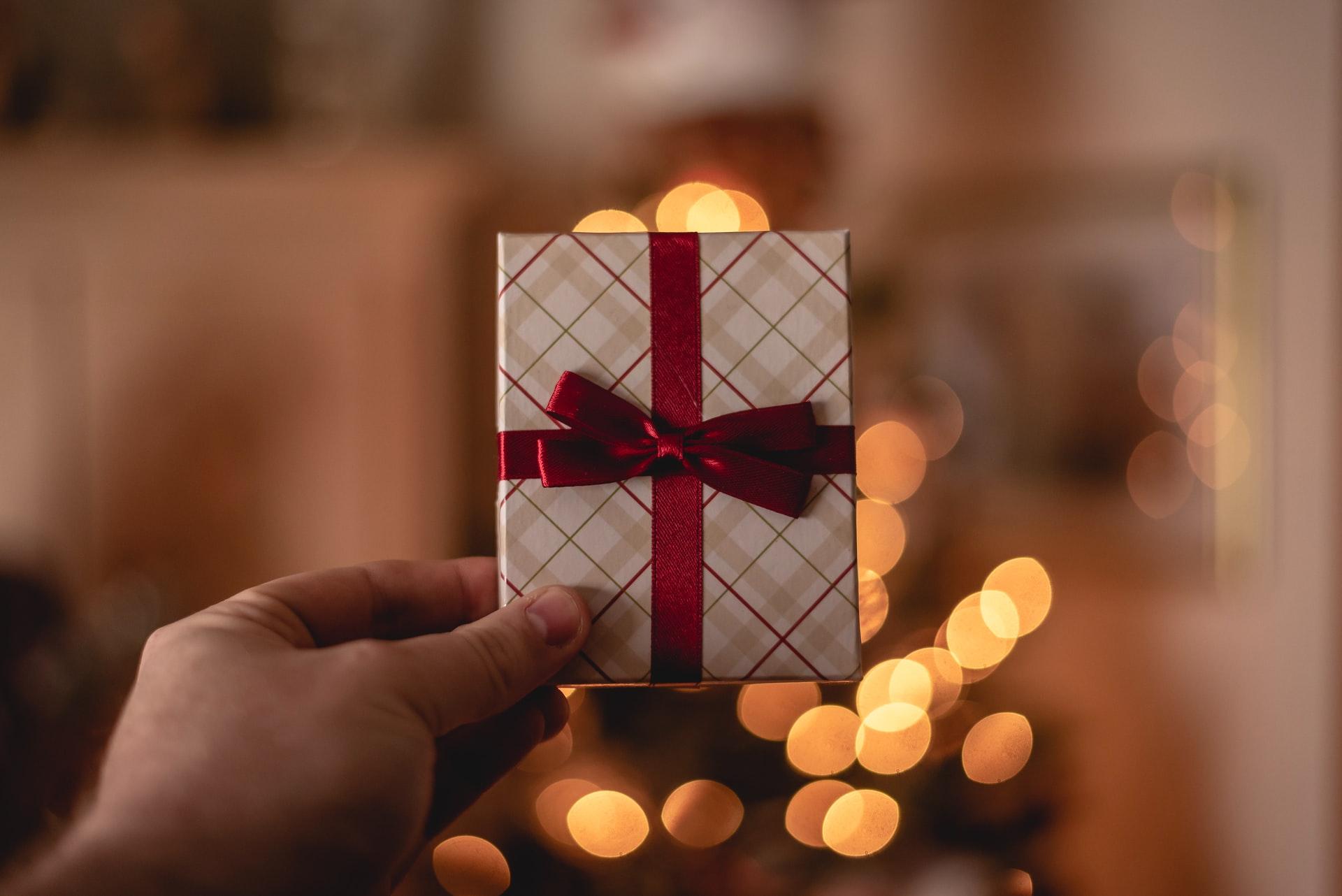 Pouvoir d'achat et maîtrise du budget : soutenir vos collaborateurs avec les titres-cadeaux.