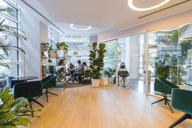 Les nouvelles formes d'organisation du travail questionnent les besoins en foncier des entreprises